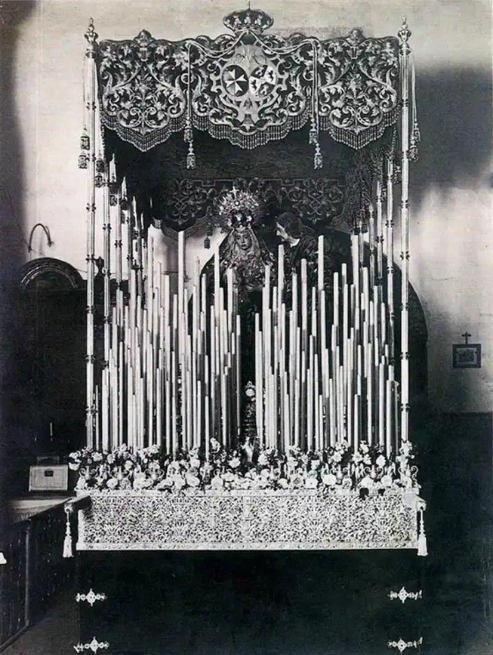 """Foto del paso de palio de María Santísima de la Amargura en el año 1919, año de la composición de la marcha """"Amarguras"""""""